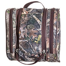 Bass Pro Shops TrueTimber Hanging Travel Kit