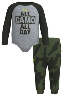 Under Armour All Camo All Day Raglan Long-Sleeve Bodysuit and Pants Set for Baby Boys – Mod Gray/Fury Camo – 3-6 Months